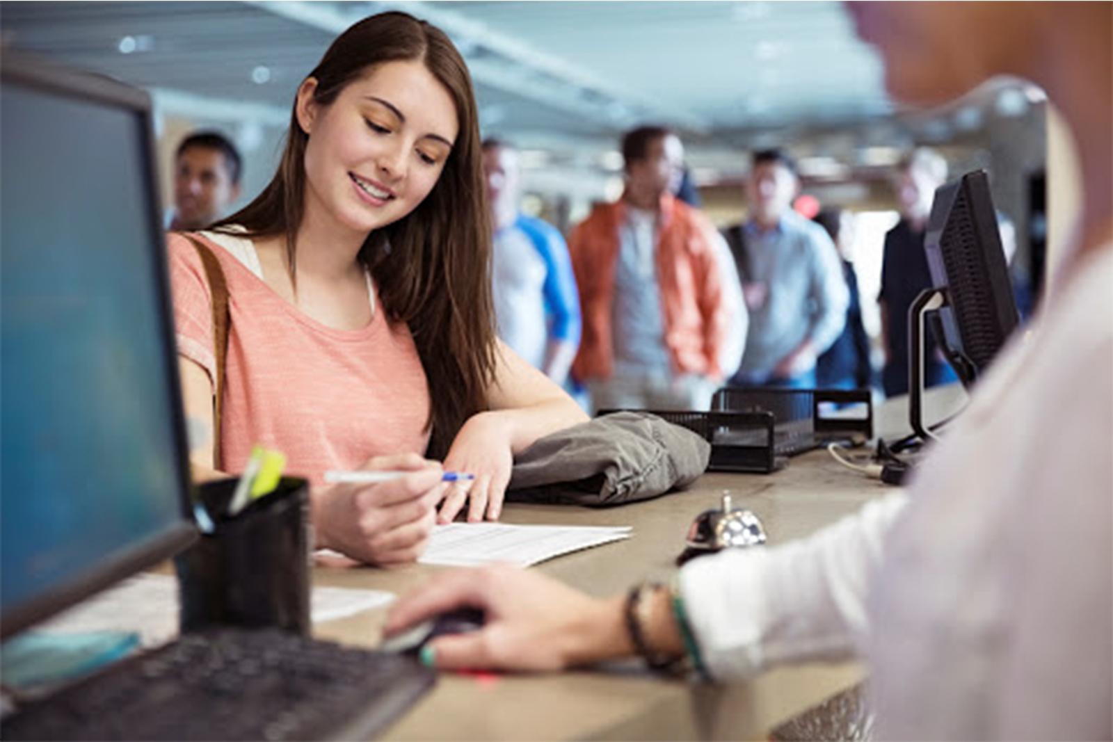 Việc làm thêm tại Canada: A-Z điều cần biết và những công việc lương cao cho du học sinh